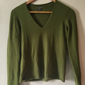 ANN TAYLOR merino wool sweater